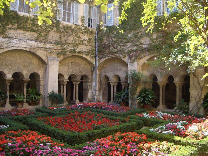 Hôpital Saint Paul de Mausole a St Remy-de-Provence
